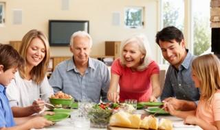 Προγραμματίστε τα οικογενειακά γεύματα
