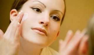 Η βάση στο μακιγιάζ και η σημασία της