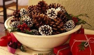 Γιορτινές διακοσμήσεις με αρωματικά κουκουνάρια
