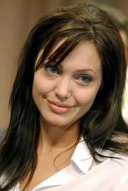 Αν το πρόσωπό σας είναι τετράγωνο... σαν της Angelina Jolie