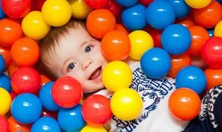 Ποια χρώματα προτιμούν τα μωρά