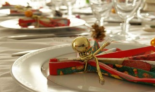 Σχεδιάζοντας το χριστουγεννιάτικο τραπέζι