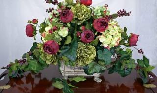 Συνθέσεις με μεταξωτά λουλούδια Τεχνητά και υφασμάτινα