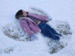 Φτιάξτε έναν άγγελο από χιόνι