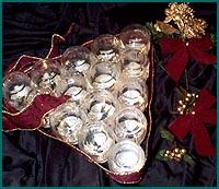 Χριστουγεννιάτικο δέντρο με βαζάκια από παιδικές τροφές