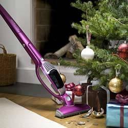 Χριστουγεννιάτικη καθαριότητα. Μήπως αφορά και τους άντρες;