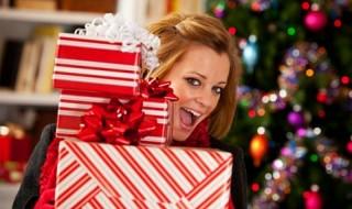 Πως να χαρίζετε χριστουγεννιάτικα δώρα σε περίοδο οικονομικής ύφεσης