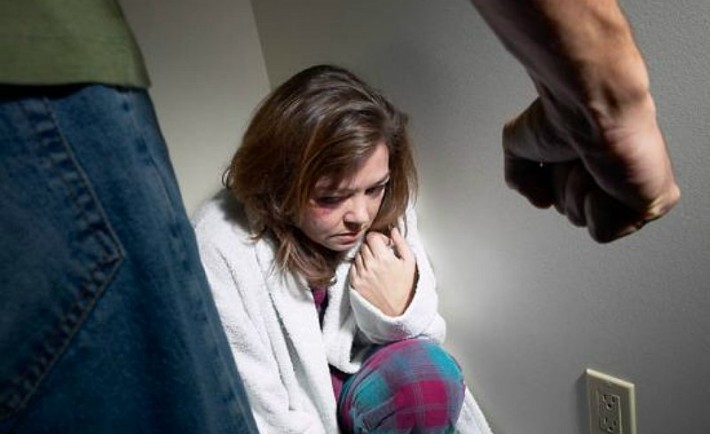 Βία στο οικογενειακό περιβάλλον