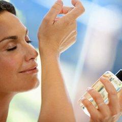 Πώς θα επιλέξετε το άρωμα που σας ταιριάζει