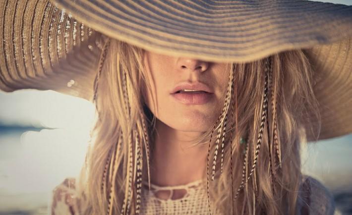 Θωρακίστε τα μαλλιά σας απ' τον ήλιο