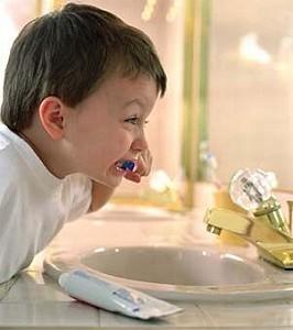 Στοματική υγιεινή: Μάθετε για τη φροντίδα των πρώτων παιδικών δοντιών.