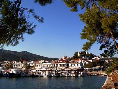 Το παλιό λιμάνι. Άποψη από το Μπούρτζι