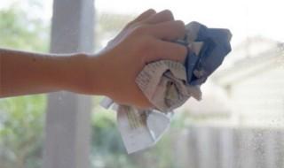 Πώς να καθαρίζετε τα τζάμια εύκολα και γρήγορα