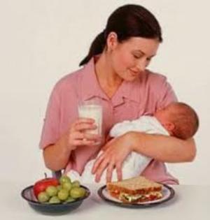 Η σωστή διατροφή για τη μητέρα που θηλάζει