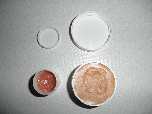 Προσθέστε λίγο κραγιόν ή χρώμα ζαχαροπλαστικής και δοκιμάστε