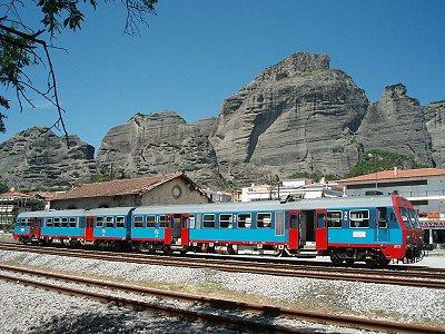 Μπορείτε να φτάσετε στην Καλαμπάκα και με τρένο.