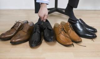 Επιλέγοντας ανδρικά παπούτσια