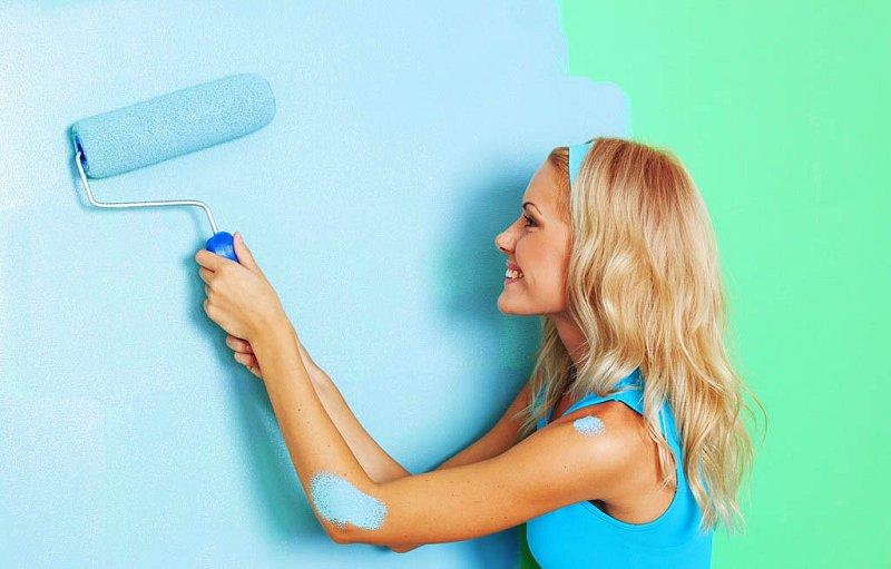 Πώς να βάψετε ένα δωμάτιο με δύο χρώματα