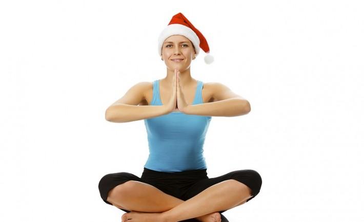 5 ασκήσεις γιόγκα για ξεκούραση στις γιορτές