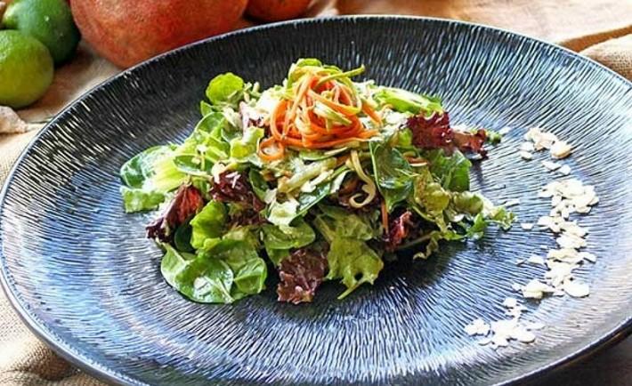 Πιάτο λαχανικών με κάρυ για χορτοφάγους