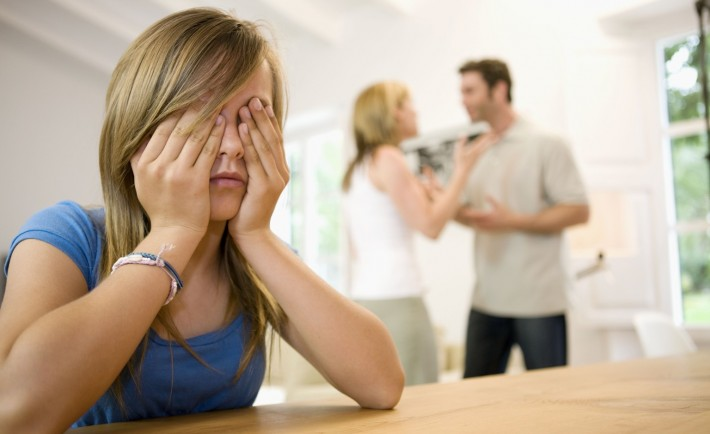 Πώς να βοηθήσετε το παιδί σας να αντιμετωπίσει το διαζύγιο