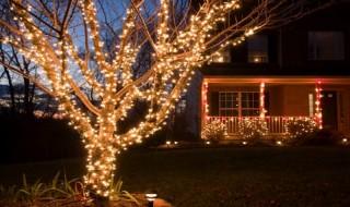Διακοσμήστε τους εξωτερικούς χώρους τα Χριστούγεννα