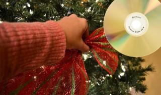 Ανακυκλώστε τα παλιά σας CD 's - Φτιάξτε χριστουγεννιάτικα στεφάνια και διακοσμητικά