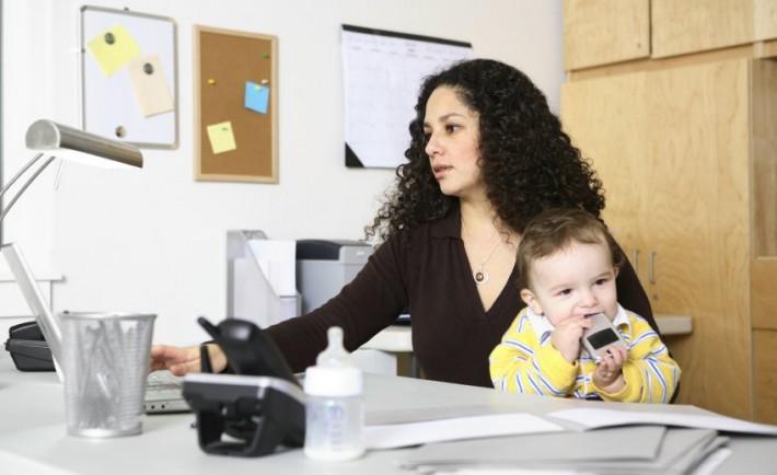 Δουλειά στο σπίτι για εργαζόμενες μητέρες