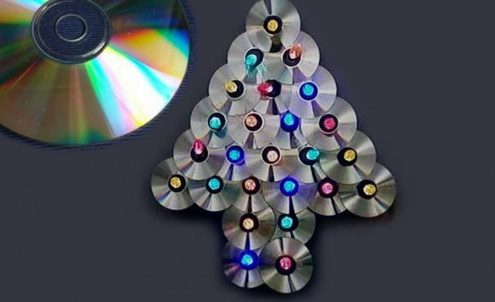 Χριστουγεννιάτικες διακοσμήσεις με παλιά CD Χριστούγεννα