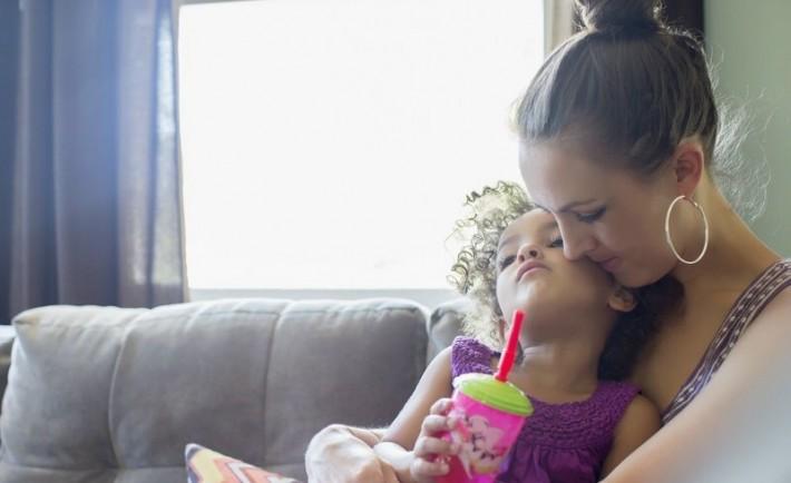 Μαμάδες Μόνες και Αντρες Μονογονεϊκές οικογένειες και σχέσεις