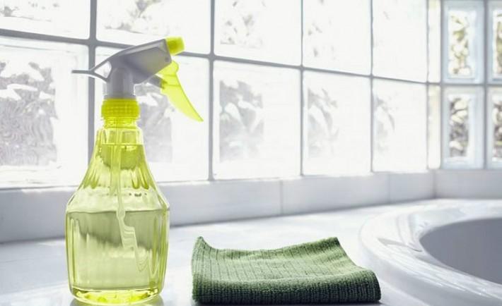 Συμμαζέψτε και καθαρίστε το μπάνιο σε 15 λεπτά