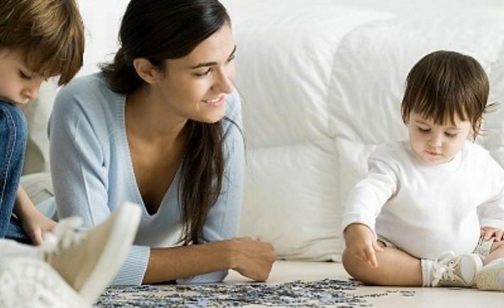 Γιατί φερόμαστε διαφορετικά στα παιδιά μας;