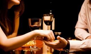 Ρομαντικές ιδέες για δείπνο την ημέρα του Αγίου Βαλεντίνου