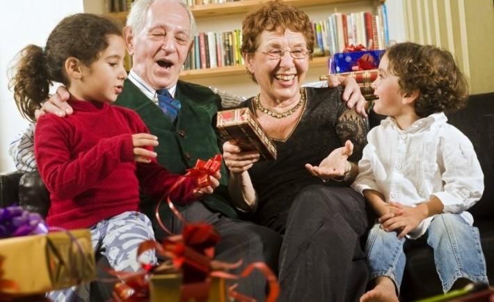 Γιορταστικό απόγευμα με τους παππούδες