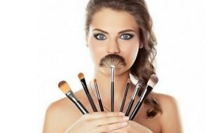 Πώς να καθαρίσετε τα πινέλα μακιγιάζ