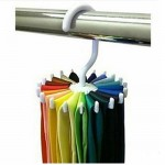 Κρεμάστρα για γραβάτες και ζώνες Πως να συμμαζέψω και να αποθηκεύσω ζώνες και γραβάτες