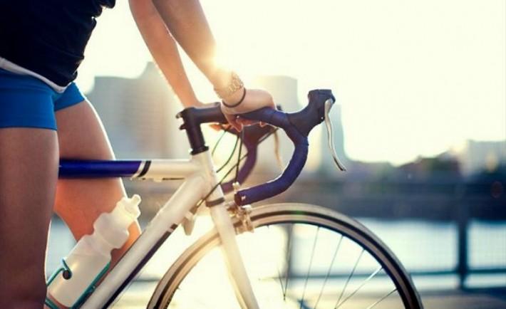 Βολτάροντας με ποδήλατο. Πάμε για ορθοπεταλιές