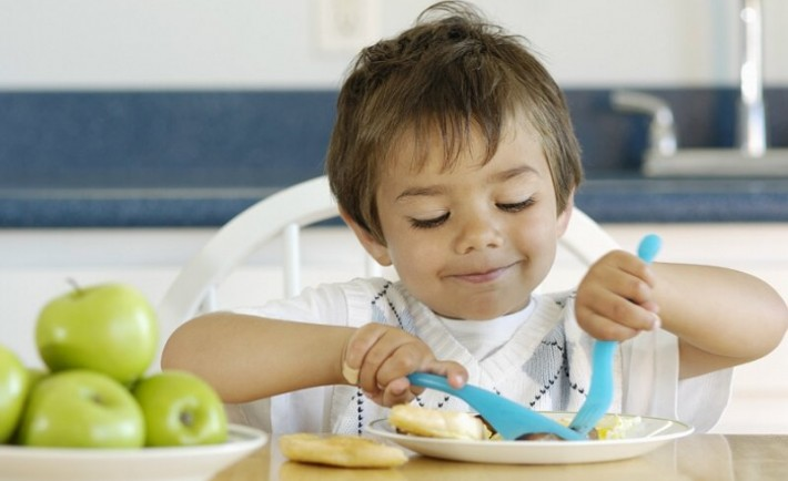 Τρόποι καλής συμπεριφοράς και πώς να τους εμπνεύσετε στα παιδιά σας