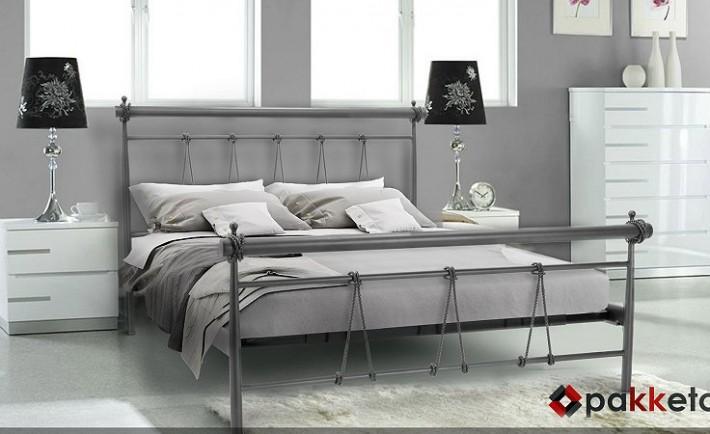Μεταλλικά κρεβάτια: 2 σχέδια για μια εντυπωσιακή κρεβατοκάμαρα!