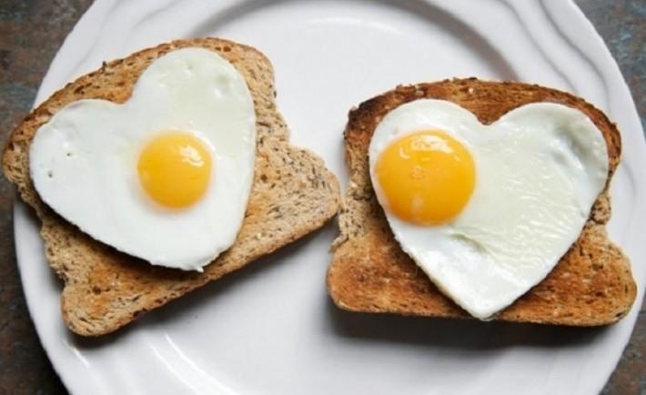 Πώς να μαγειρεύετε τα αυγά για να διατηρούν τη διατροφική αξία τους