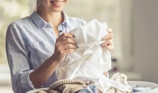 Τα λάθη που κάνουμε στο πλύσιμο των ρούχων με το μαλακτικό