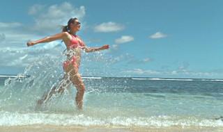 Γυμναστική στην… παραλία: Ασκήσεις για όλο το σώμα!
