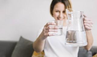 Αφυδατώθηκε το σώμα σου το καλοκαίρι; Αυτά είναι τα tips για ενυδάτωση