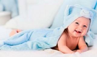 Μπάνιο και βόλτα - Όλα τα αξεσουάρ που θα χρειαστείτε για το μωρό σας