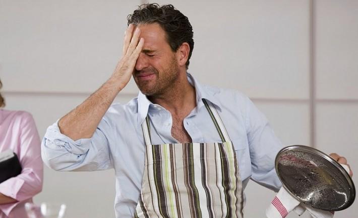 10 επικίνδυνα λάθη που κάνουμε στην κουζίνα
