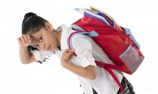 Από την σχολική τσάντα ως την ώρα της μελέτης: Πώς να μην καταπονείται σωματικά ο μαθητής