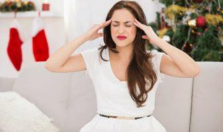 Πονοκέφαλος: Γιατί μας «επισκέπτεται» πιο συχνά τα Χριστούγεννα