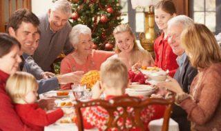 Χριστούγεννα: Πώς νιώθουν τα παιδιά στις οικογενειακές συγκεντρώσεις