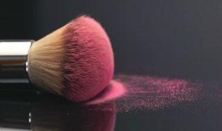 4 Tips για να εφαρμόσετε σωστά το ρουζ τη φετινή σεζόν
