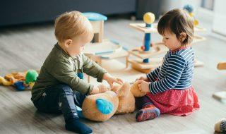 Μεγαλώνουμε παιδιά που μοιράζονται